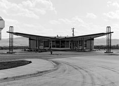 Jeff Brouws - Twenty Six Abandoned Gas Stations