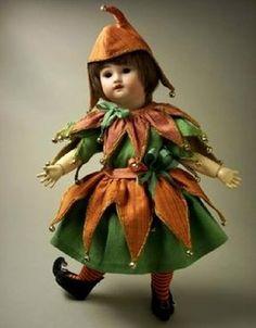 Doll's therapy. Для заболевших куклами. Карнавальные костюмы для кукол.