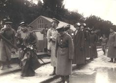 A visit to Headquarters by the Empress and the Grand Duchesses, circa 1916. From left: Alexandra Feodorovna, Nicholas, Alexei, Grand Duchesses Maria, Olga, Tatiana, and Anastasia.