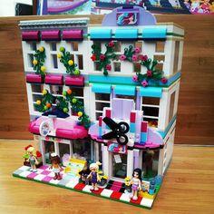 LEGO Friends Hair Shop #lego #legoredesign #legostagram #legohouse #legodiorama #legofriends #legomod #legomoc #friends #레고 #41093