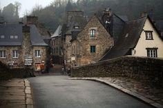 Villa medieval de Dinan, Francia foto a través de marge