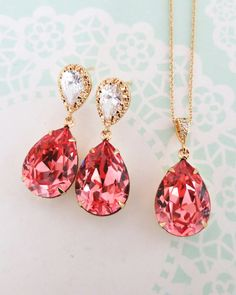 Rose Peach Crystal Teardrop Jewelry Set, Gold, pink,  Brides, Bridesmaid, Bridal shower gift, wedding jewelry, simple classy modern, www.glitzandlove.com