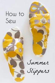 Sew House Shoes for Summer DIY Slippers How to sew DIY slippers sew house shoes make slides with this tutorial by Melly Sews The post Sew House Shoes for Summer DIY Slippers appeared first on Summer Diy. Sewing Hacks, Sewing Tutorials, Sewing Crafts, Sewing Tips, Sewing Ideas, Summer Slippers, Diy Couture, Leftover Fabric, Love Sewing