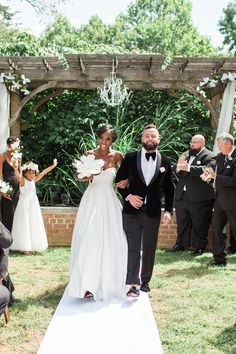 "{    A HISTORIC ESTATE WEDDING BY STACY HART PHOTOGRAPHY    } ""Kristen and Dan celebrated their vows at a historic estate in central Delaware. Belmont Hall served as the perfect backdrop for their luxuriously styled day and the couple planned such perfect details: from Kristen's pearls and black-fringed stilettos to Dan's rich velvet suit everything showed refined elegance.''"