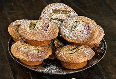 Rosmariini-raparperifinancier-leivokset | Koti ja keittiö Koti, Doughnut, Muffin, Bread, Baking, Breakfast, Desserts, Drink, Morning Coffee