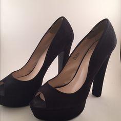 "HOT!! ZIGI SOHO PUMPS Size 8.5 Zigi Soho black platforms. Black fabric upper with 5.5"" heel. Great condition. Platforms for added support!!❤️❤️❤️ Zigi Soho Shoes Platforms"