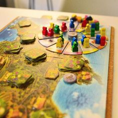 F I N C A |  A enjoyable little pick up and deliver game with an interesting rondel mechanic. Picked it up at a discount bin without knowing anything about it. Turned out to be a great find. Not to mention, they have great little fruit meeples that are absolutely adorable. Love this old game. Anyone played it before?