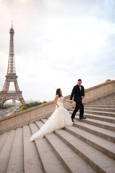 Hallo! Überlegt ihr auch Verlobungsfotos zu machen? Viele Paare zweifeln bei der Entscheidung, dabei entstehen oft die schönsten Bilder und lernt man sich vor der Hochzeit schon kennen. Hier sind ein paar weitere gute Gründe für ein Verlobungsshooting: https://goo.gl/v5nquz  Thanks to @TheParisOfficiant & @PierreParisPhotographer for this amazing experience in Paris <3 #anmakoyweddings #anmakoyphotography #weddinginparis #hochzeitinparis #hochzeitsfotograf