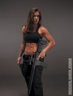 -)~❤️~::: sexy girls hot babes with guns beautiful women weapons Fit Women, Sexy Women, Brave Girl, Warrior Girl, Military Women, Female Soldier, Badass Women, Guns, Elegant