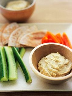 Snacking can actually help lower cholesterol levels. Skip the high-cholesterol foods, and try these healthy choices instead. Healthy Hummus Recipe, Heart Healthy Recipes, Healthy Snacks For Kids, Healthy Eating, Healthy Choices, Healthy Foods, Healthy Beans, Diet Recipes, Kids Healthy Snacks