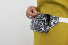 Fennel Fanny Pack - New Zealand Purse Patterns, Sewing Patterns, Fanny Pack Pattern, Artist Bag, Fab Bag, Textiles, Creation Couture, Bago, Sewing Projects