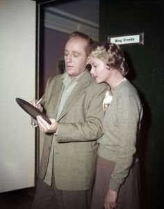 American singer and actor Bing Crosby signs one of his records for actress Grace Kelly during filming of 'The Country Girl', directed by George Seaton, Get premium, high resolution news photos at Getty Images Old Hollywood Style, Hollywood Icons, Hollywood Fashion, Hollywood Actresses, Hollywood Picture, Hollywood Couples, Vintage Hollywood, Celebrity Couples, Celebrity News