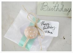 Beautifully packaged handmade soap wrapped in a glassine bag, banded with a faux ribbon (Japanese tape), topped off with hand-painted (with a white marker) wooden bead topper. Wrapping Gift, Gift Wraping, Creative Gift Wrapping, Creative Gifts, Wrapping Ideas, Craft Gifts, Diy Gifts, Handmade Gifts, Xmas Gifts