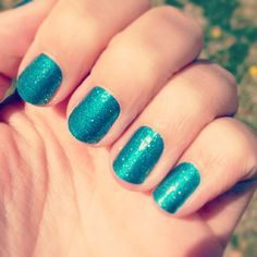 $15 Turquoise Sparkle nails wraps by Jamberry Nails Each sheet you get 2 to 3 Mani's pedi's Buy3 Get 1 Free www.AccessorizedMom.com