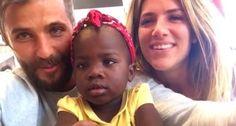 Gagliasso e Gio Ewbank aparecem em 1ª foto com a filha adotada na África (Reprodução/Ana Clara Marinho)