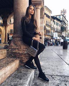 "Xenia Tchoumitcheva: ""Breathing in the history of this Italian gem.. Verona with Intimissimi #intimissimionice."" Instagram: https://www.instagram.com/p/BLRC-ttA8p6/ Vk: https://vk.com/photo213086672_434034196 Facebook: https://www.facebook.com/groups/167417620276194/"