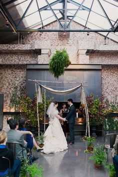 Classic Urban New York Wedding from Firefly Events at The Foundry - MODwedding