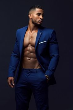 Image may contain: 1 person, standing Fine Black Men, Gorgeous Black Men, Handsome Black Men, Fine Men, Beautiful Men, Black Man, Black Male Models, Hommes Sexy, Well Dressed Men