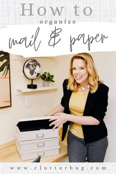 Does the thought of decluttering and organizing your paper give you chills? I have the perfect 5 step system to get rid of paper clutter for good! #clutterbug #paper #paperclutter #clutter #organizing