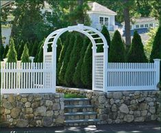 Freeport Chestnut Hill Fence from Walpole Woodworkers. Big collection of Freeport Chestnut Hill Fence from usa. Also deals in Wholesaler of Freeport Chestnut Hill Fence Retaining Wall Steps, Garden Retaining Wall, White Picket Fence, White Fence, Picket Fences, Walpole Outdoors, Home Fencing, Fence Gate, Front Fence