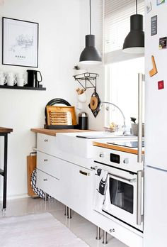 Kitchen Cart, Kitchen Island, Kitchen Cabinets, Beach House Kitchens, Home Kitchens, Small Spaces, Ikea, Sweet Home, Cottage