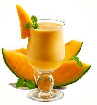 Receita de suco detox de melão e água de coco para auxiliar a perda de peso e também proporcionar mais disposição. O melão tem fibras que ajudará emagrecer