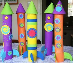 Craft Projects for Kids Rocket ship crafts and other cool ideas using paper towel rolls!Rocket ship crafts and other cool ideas using paper towel rolls! Kids Crafts, Craft Projects For Kids, Summer Crafts, Toddler Crafts, Preschool Crafts, Diy For Kids, Activities For Kids, Craft Kids, Outer Space Crafts For Kids