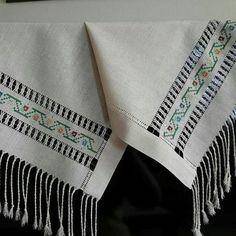 Alıntı Embroidery Art, Cross Stitch Embroidery, Cross Stitch Patterns, Bargello, Layers Design, Baby Knitting Patterns, Needlepoint, Needlework, Diy And Crafts