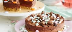Rocky road -kakku - Fazer Rocky Road Cake, Let Them Eat Cake, Cheesecake, Goodies, Food And Drink, Pudding, Sweets, Baking, Desserts