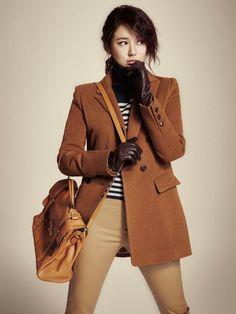 Yoon Eun Hye (Korean actress)- Kibbe Soft Classic (in my opinion) Yoon Eun Hye, Korean Star, Korean Girl, Asian Girl, Japanese Fashion, Asian Fashion, Dramas, Blue And White Jeans, Kpop Fashion