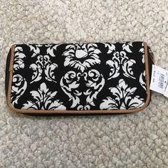 Vera Bradley style wallet Black & white Vera style wallet Bags Wallets