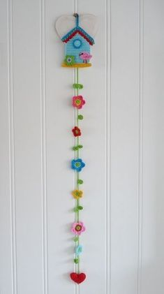 Knitting Wall Ornaments Sample Models, # refrigerators, # knittingdessels, # knittingsalons, Knitting from past to present in all areas of our lives Crochet Bunting, Crochet Garland, Crochet Decoration, Crochet Home Decor, Love Crochet, Crochet Gifts, Crochet For Kids, Crochet Flowers, Blanket Crochet