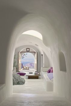 Perivolas Hotel in Santorini, Greece. I think I could just spend forever Hotel hopping in Santorini I'm staying in a new hotel every night, and never get bored! I love how so many of the Santorini hotels have that cave style Oia Santorini, Santorini Island, Santorini Greece Hotels, Luxury Hotels, Santorini House, Santorini Travel, Luxury Villa, Cob Houses, Luxury Houses