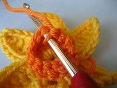 Tutorial for Crochet Daffodil w/leaves by Lucy in the Attic: She gives the best instructions :) Crochet Brooch, Freeform Crochet, Crochet Motif, Crochet Crafts, Crochet Yarn, Crochet Stitches, Crochet Projects, Crochet Leaves, Yarn Flowers