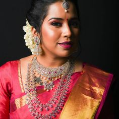 Tired of scrolling through a bunch of pages to find that perfect blouse designs? Check out the top most South Indian blouse designs to pair with a kanjeevaram saree- Eventila South Indian Blouse Designs, Blouse Neck Designs, Gold Mangalsutra Designs, Simple Sarees, South Indian Bride, Indian Fashion, Women's Fashion, Colorful Fashion, Diamond Jewellery