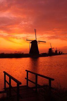 Beautiful Holland http://www.travelandtransitions.com/destinations/destination-advice/europe/