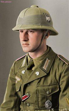 DAK soldier. (Deutsches Afrikakorps) Panzer tank crew