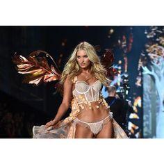London Victoria's Secret Fashion Show 2014 ❤ liked on Polyvore featuring elsa hosk