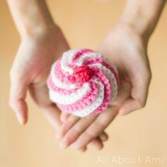 Sneak peek of upcoming blog post: Swirly Cupcake (free pattern...