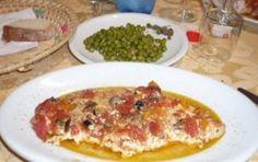 Pesce spada al forno con piselli - Il pesce spada al forno con i piselli è la ricetta di un secondo piatto gustoso, una ricetta per palati particolari che vi farà fare un successone.