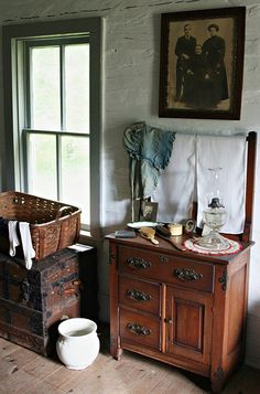 This old wash stand reminds me of my maternal grandparents. I bathed there many times as a child.