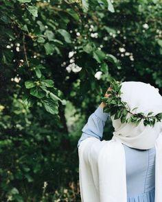 Stylish Hijab, Hijab Chic, Hijab Style Dress, Hijab Outfit, Hijabi Girl, Girl Hijab, Niqab Fashion, Girl Fashion, Mode Niqab