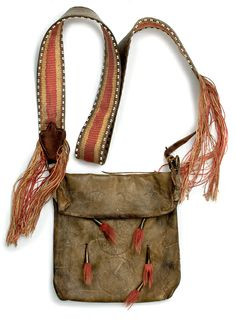 What Can Native American Culture Teach Us about Survival and. Leather Pouch, Leather Men, Leather Backpack, Leather Bags, Native American Songs, American Art, Shooting Bags, Powder Horn, Fur Trade