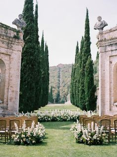 Classic Italian Wedding at Villa Cetinale in Tuscany, Italy — katie grant photography - Villa-Cetinale-Tuscany-Katie-Grant-destination-wedding of - Table Decoration Wedding, Ceremony Decorations, Ceremony Backdrop, Perfect Wedding, Dream Wedding, Lake Como Wedding, Italy Wedding, Weddings In Italy, Wedding Venues Italy