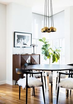 Black and white decor is right on trend thanks to its classic style. This collection of design inspiration will help give you the decor ideas you need to incorporate this modern look into your own home.
