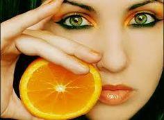 Saviez-vous que les oranges sont excellentes pour notre peau ? elles sont riches en vitamine C qui a des propriétés incroyables pour la peau. du coup vous allez  découvrir ici beaucoup d'astuces beauté avec des oranges.