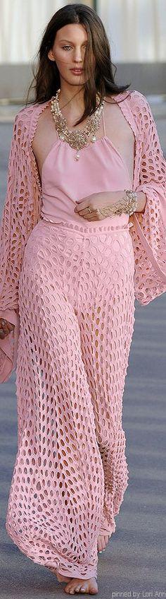 Pink ~ Chanel Resort 2011 ~ Wow !