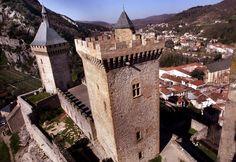 Château de Foix vue du ciel  La Déduire Midi Thierry Bordas#ladepechedumidi #photo #photooftheday #photojournalism #love #beautiful #instagood #midipyrenees #friends #toulouse #lovetoulouse #objectiftoulouse #foix #chateau #ariege #ariegeois #ariegold #folowme #patrimoinefrancais  #patrimoine