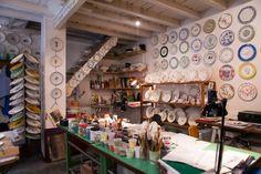"""La Milano Design Week è già cominciata! Le botteghe """"meneghine"""" delle 5VIE sono aperte. E sono tutte per voi! Guardate qui http://www.capolavoroitaliano.com/le-quattro-stagioni/primavera-nellaria/6132/5-vie-artdesign-scoperta-milano-mai-vista/"""