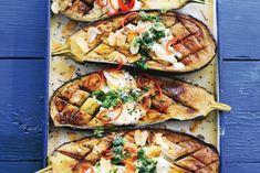 29 januari - aubergine in de bonus - Recept - Aubergines uit de oven… Greek Recipes, Vegetable Recipes, Vegetarian Recipes, Healthy Recipes, Vegetarian Dish, Wiener Schnitzel, Irish Stew, Eggplant Recipes, Happy Foods